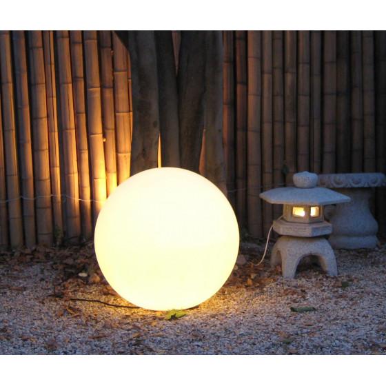 Boule lumineuse blanche extérieure