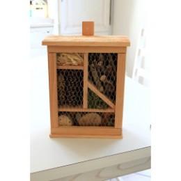 Abri à insectes en bois douglas certifié PEFC